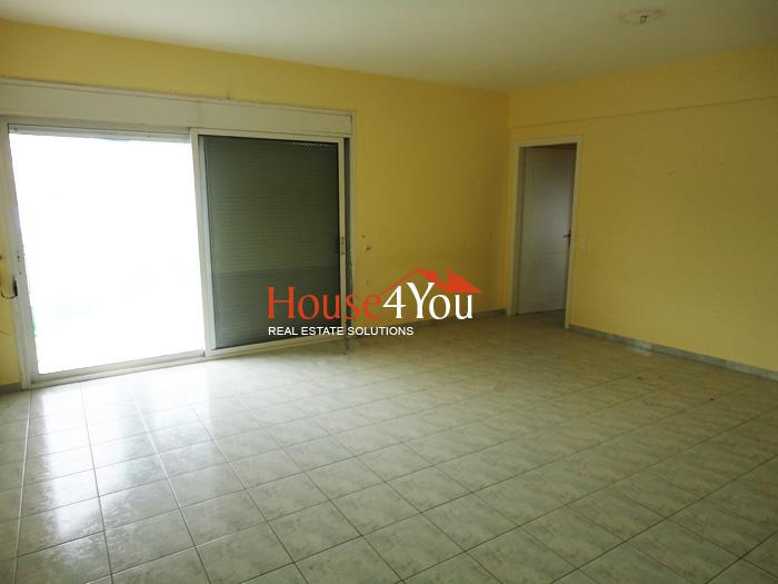 Πωλείται 4αρι διαμέρισμα 107τμ. 1ου ορόφου του 2000 στο κέντρο των Ιωαννίνων πλησίον 28ης Οκτωβρίου