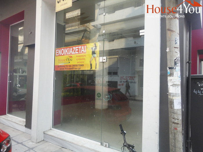Business corner of 75sqm for rent. in Vilaras 53 at Ioannina.