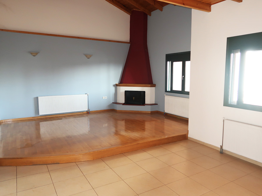 Apartment 124sqm for sale. of 2005 in a maisonette style near Omirou square in Giannena