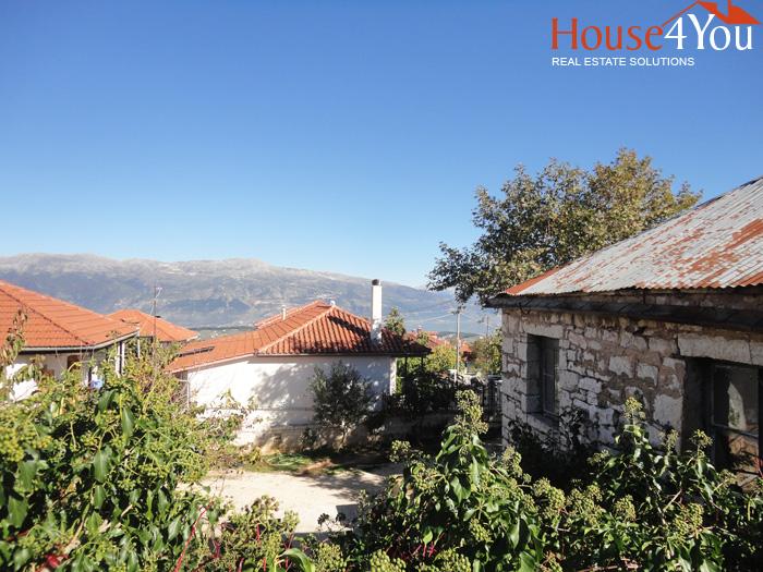 Πωλείται οικόπεδο 680τμ. με δόμηση 400τμ. και ωραία θέα στα Μάρμαρα Ιωαννίνων