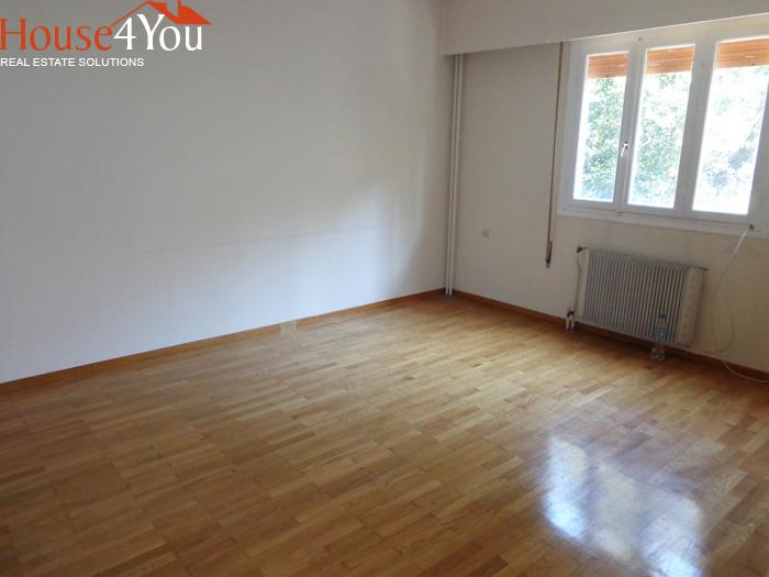 Πωλείται διαμέρισμα τριάρι 140τμ. 1ου ορόφου στο κέντρο των Ιωαννίνων στην οδό Δωδώνης