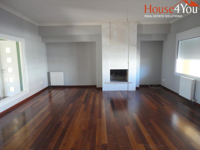 Ενοικιάζεται 4αρι διαμέρισμα 190 τμ. 4ου ορόφου στο κέντρο των Ιωαννίνων.