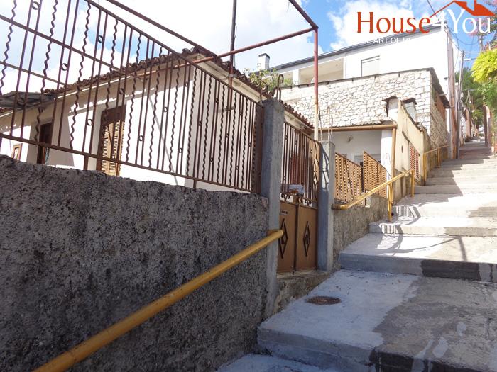 Πωλείται οικόπεδο 191τμ. με Σ.Δ. 0.8 με ωραία θέα  στην Καλλιθέα Ιωαννίνων.