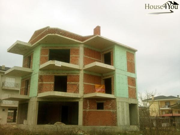 Πωλείται νεόκτιστη οικοδομή στα Σεισμόπληκτα Ιωαννίνων