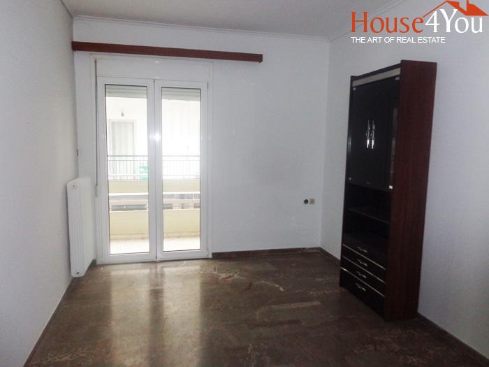 Πωλείται 4αρι διαμέρισμα 98τμ. υπερυψωμένου 1ου ορόφου κοντά στην Ν.Ζέρβα στα Γιάννενα