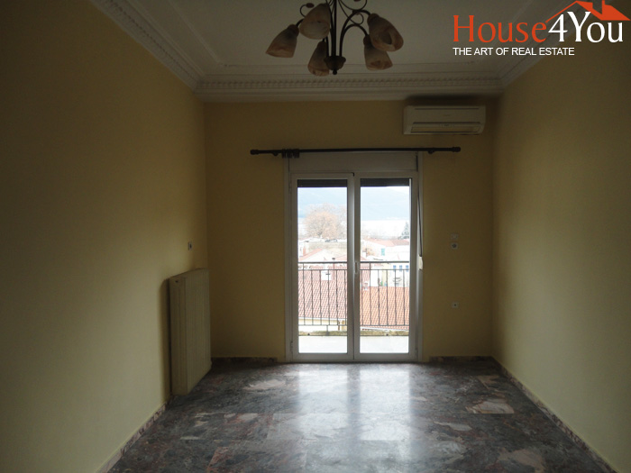 For sale a two bedroom apartment of 95 sq.m. on the 3rd floor near the Metropolis in Ioannina.