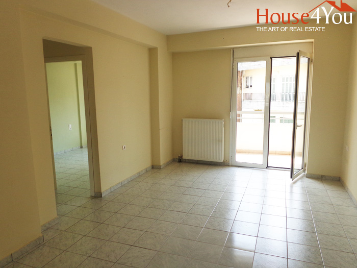 For sale 2 bedroom apartment of 71sqm for sale. 4th floor of 2008 in the center of Ioannina