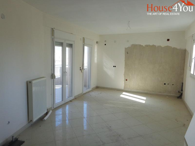Πωλείται διαμέρισμα 80τμ. του 2007 1ου ορόφου κοντά στην οδό Σουλίου στο κέντρο των Ιωαννίνων