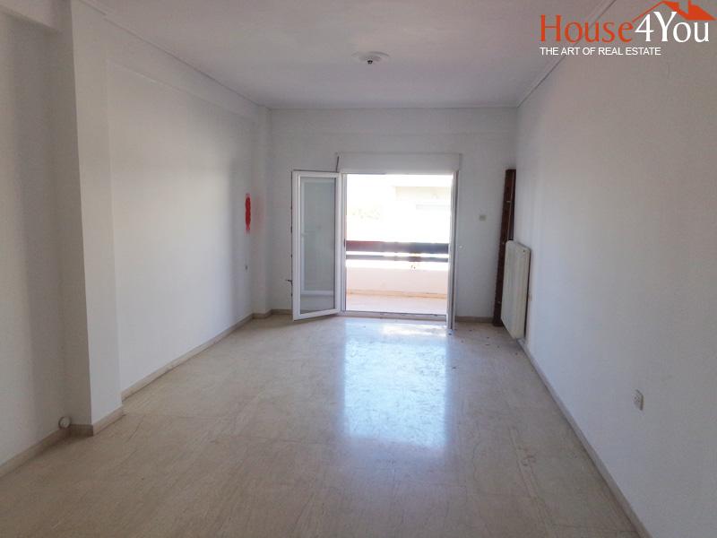 Πωλείται 3αρι διαμέρισμα 105 τμ. 3ου ορόφου μερικώς ανακαινισμένο στην Κοραή στο κέντρο των Ιωαννίνων