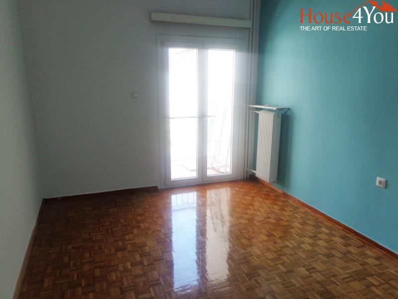 Πωλείται ανακαινισμένο 4αρι διαμέρισμα 91 τμ. 4ου ορόφου στην Κουγκίου στο κέντρο των Ιωαννίνων