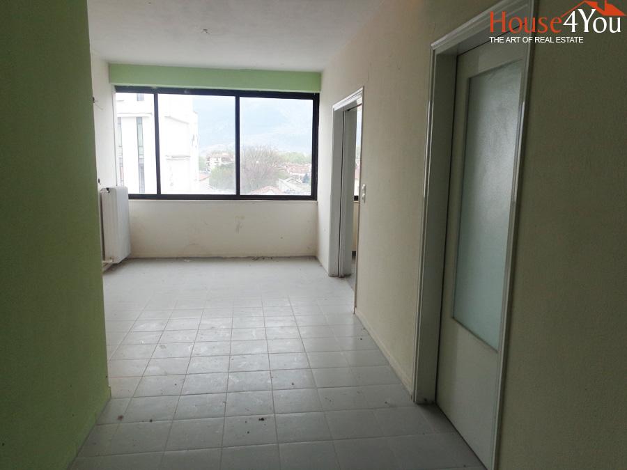 Ενοικιάζεται επαγγελματικός χώρος 60τμ. 3ου ορόφου στην Τσιριγώτη 14 στο κέντρο των Ιωαννίνων