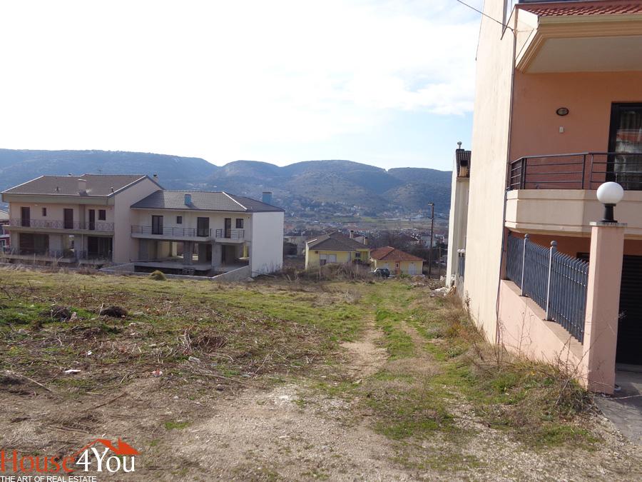 Πωλείται οικόπεδο 521τμ. με ΣΔ. 0.5 και πρόσωπο 16μ. στην Ρήγα Φεραίου στα Καρδαμίτσια Ιωαννίνων
