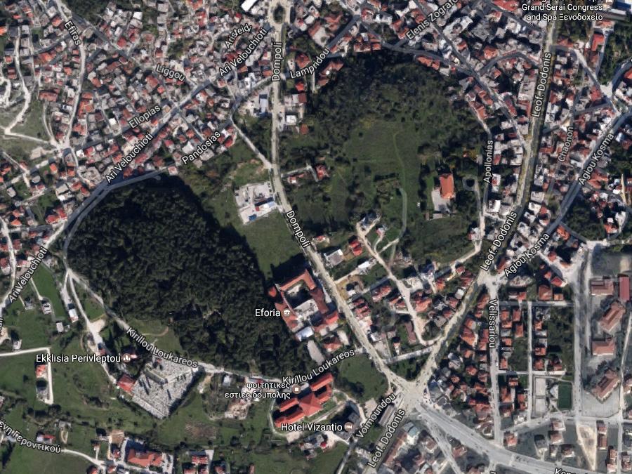 Πωλείται προνομιακό οικόπεδο 449 τμ. με ΣΔ. 0.8 με πρόσωπο 37μ. σε κεντρικό δρόμο στην περιοχή της Δόμπολης Ιωάννινων