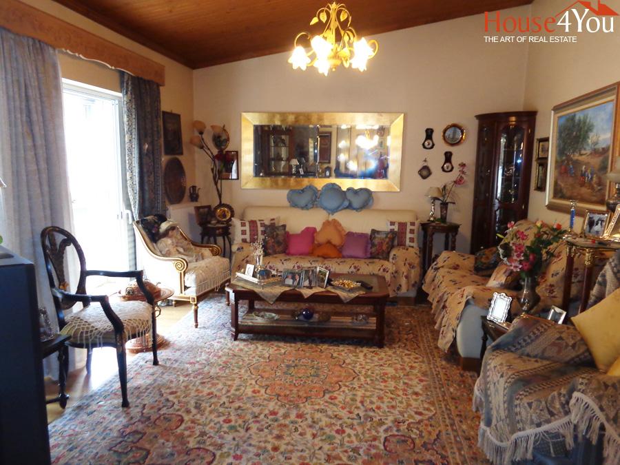 Πωλείται διαμέρισμα 85 τμ. 4ου ορόφου πλησίον οδού Πινδάρου πάνω απο το άλσος στο κέντρο των Ιωαννίνων