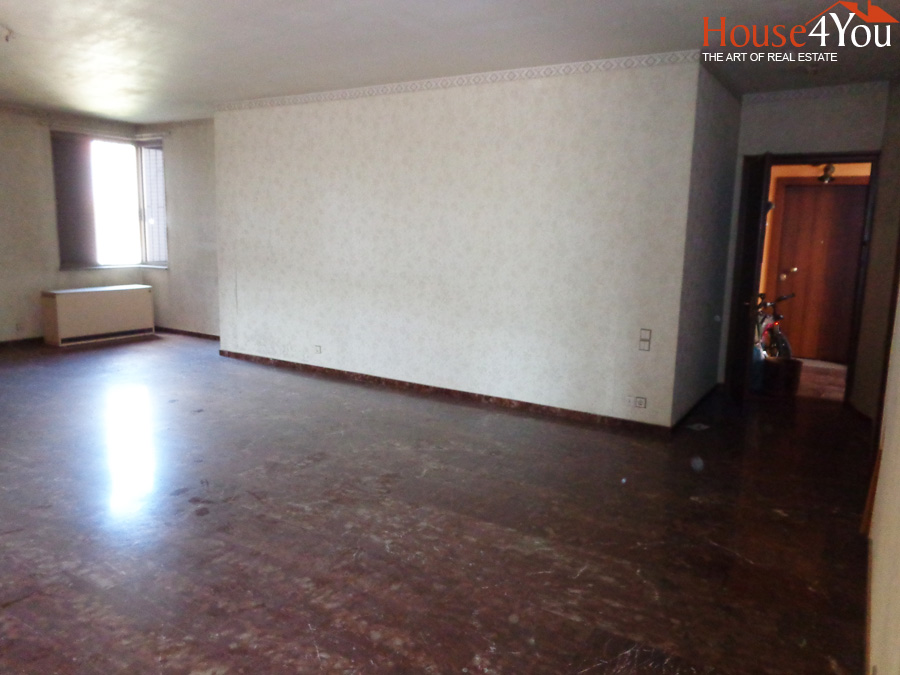 For sale 148sqm apartment with 3 bedrooms at the 2nd floor in the center of Ioannina near stadium