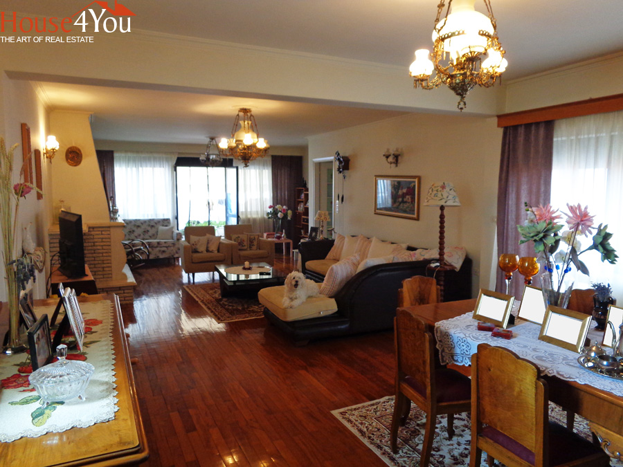 Πωλείται 4αρι διαμέρισμα 147τμ. 5ου ορόφου του 1993 πλησίον Χ.Τρικούπη στο κέντρο των Ιωαννίνων