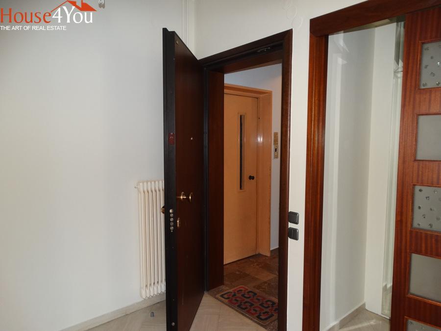 Ενοικιάζεται 3αρι διαμέρισμα 3ου ορόφου 108τ.μ. στο Κέντρο στα Ιωάννινα