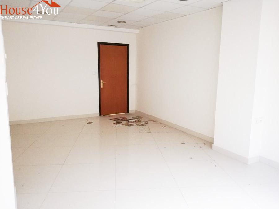 Ενοικιάζεται επαγγελματικός χώρος 26.60 τμ. 2ου ορόφου  στο Κέντρο των Ιωαννίνων.