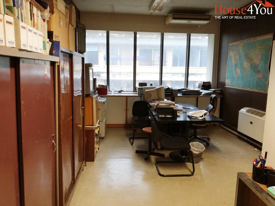 Ενοικιάζεται επαγγελματικός χώρος 26.60 τμ. 3ου ορόφου  στο Κέντρο των Ιωαννίνων.